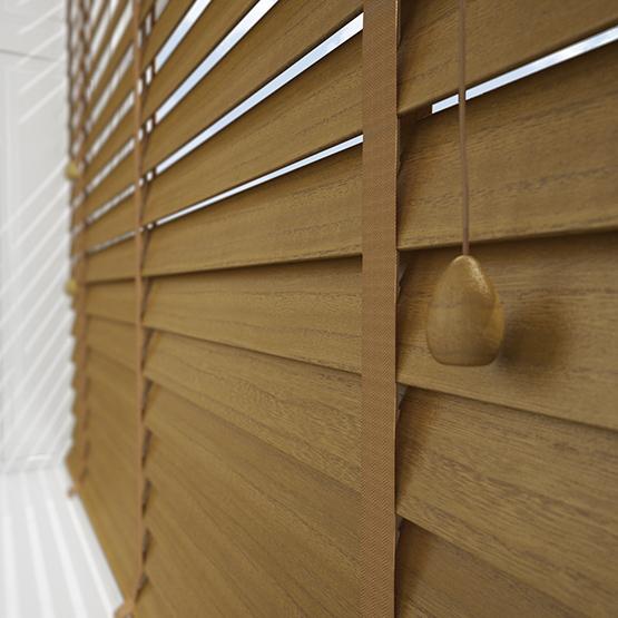 Designer True Oak venetian